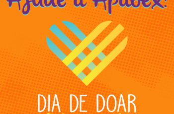 Arte em fundo laranja com logotipo do Dia de Doar. Há o texto: ajude a Apabex de Dia de Doar 28 de novembro